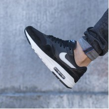 "Nike Air Max 1 ""Black White"" (2019)"