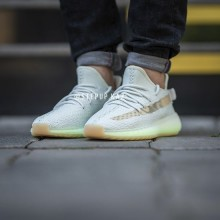 """Yeezy Boost 350 V2 """"Hyperspace"""""""